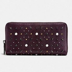 COACH Accordion Prairie Rivets zip around wallet